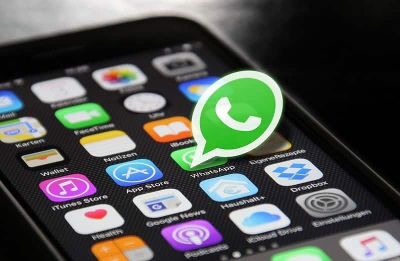 WhatsApp : comment ne pas apparaître en ligne ?